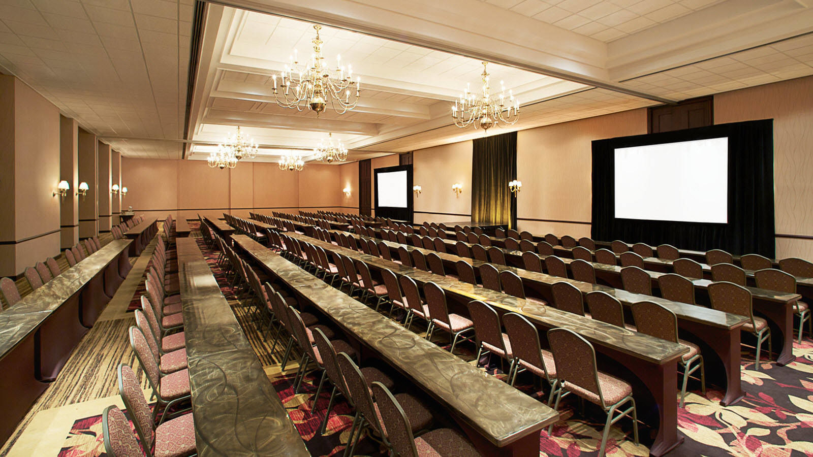 Ballroom for Indianapolis Meetings